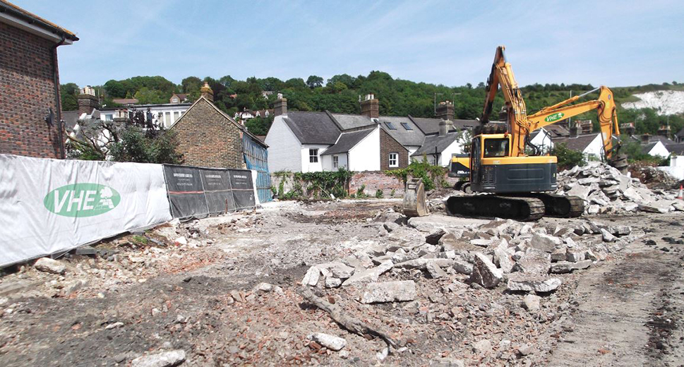 VHE undertook the remediation of a former gas works and builders yard site in preparation for the construction of 13 homes.